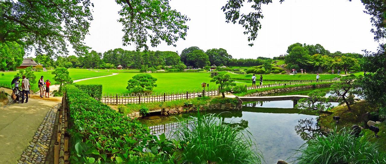 20170717 後楽園今日の南門を入って直ぐの場所から眺めた園内ワイド風景 (1)