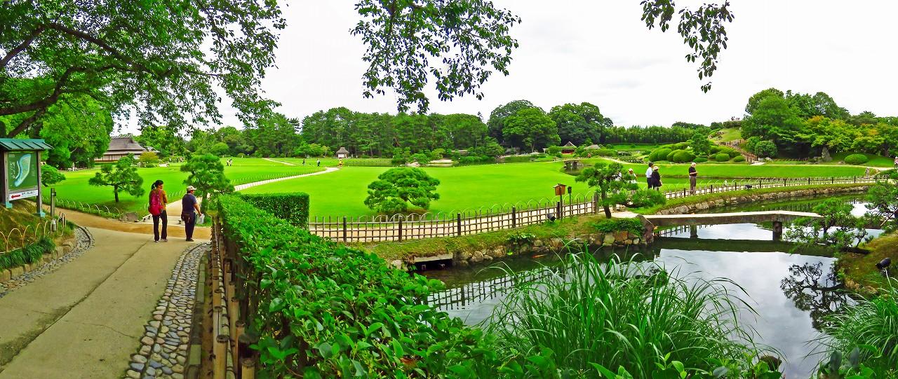 20170726 後楽園今日の南門を入って直ぐの場所から眺めた園内ワイド風景 (1)