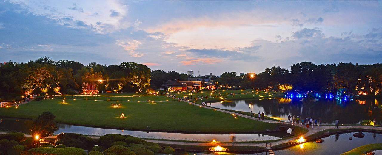 20170816 後楽園夏の幻想庭園唯心山頂上から眺めた後半のワイド風景 (1)
