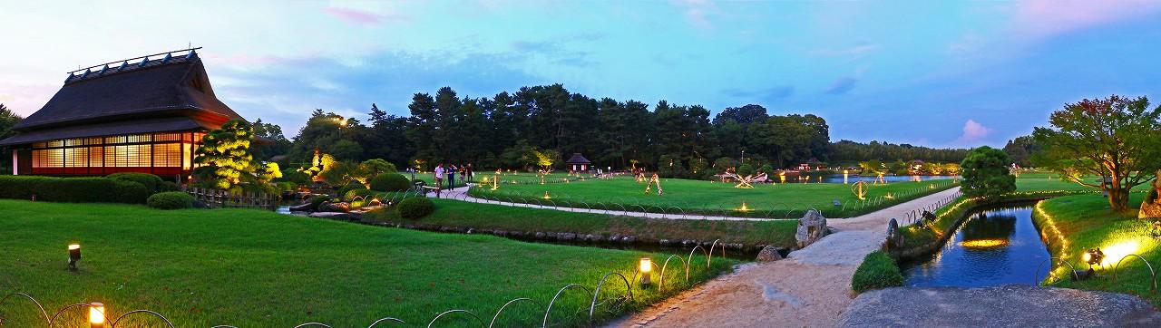 20170823 後楽園夏の幻想庭園今日の様子大名石上から眺めた日暮れのワイド風景 (1)