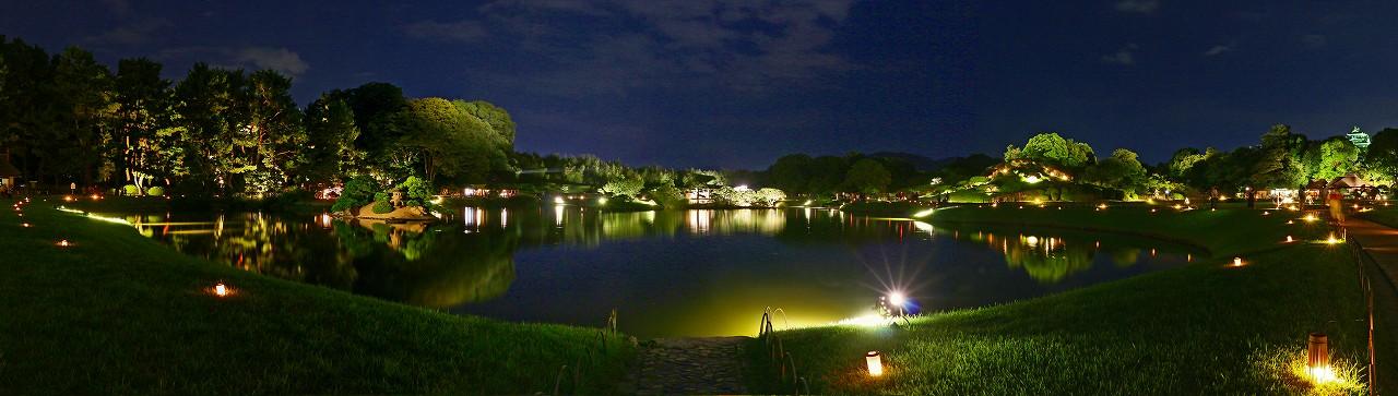 20170825 後楽園夏の幻想庭園今日の様子沢の池西側から眺めたワイド風景 (1)
