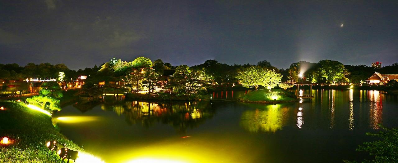 20170826 後楽園夏の幻想庭園今日の沢の池越しに眺めたワイド風景 (1)