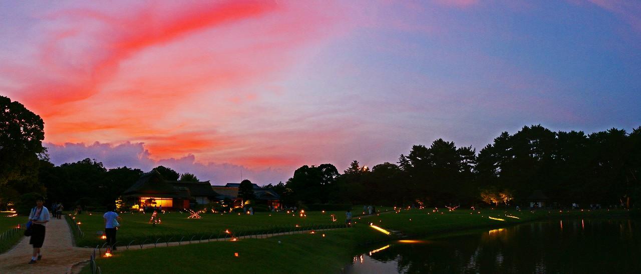 20170828 後楽園夏の幻想庭園今日の夕焼けの様子ワイド風景 (1)