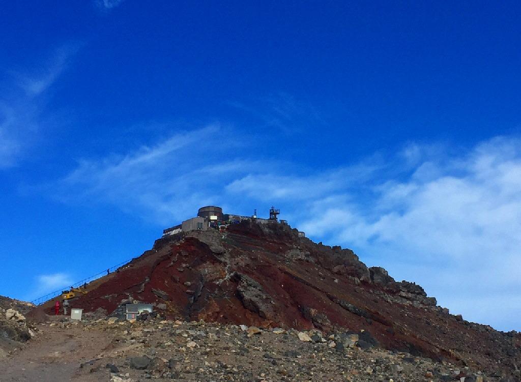 剣ヶ峰の測候所跡