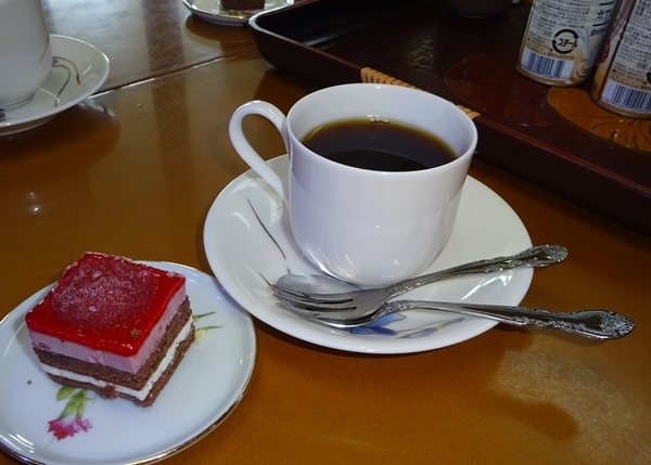 DSC09242ケーキとお茶