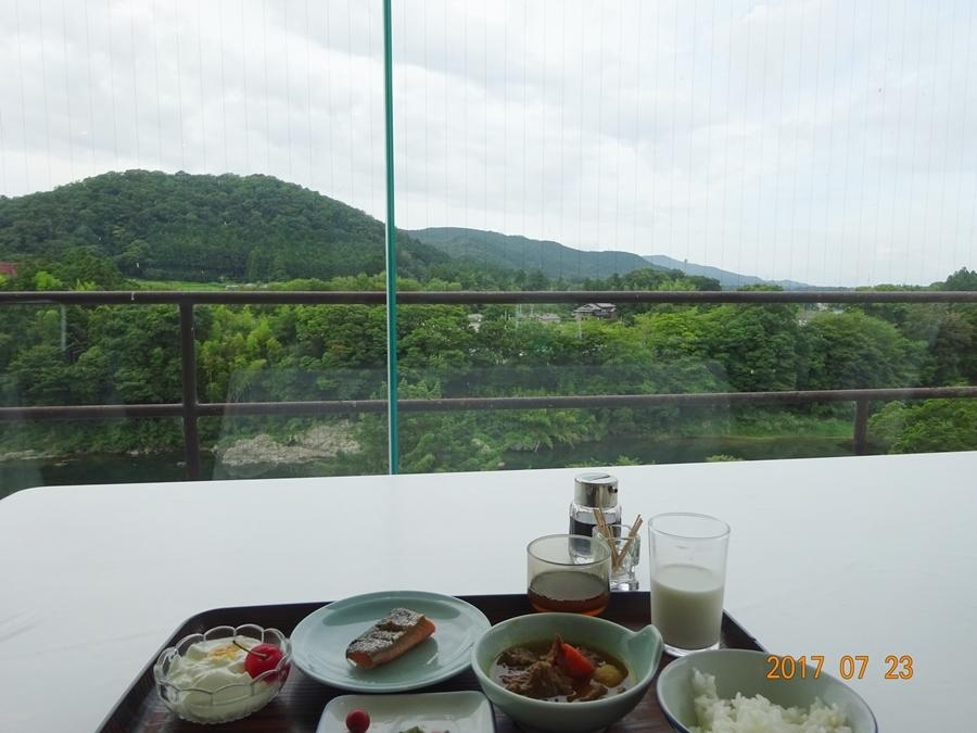 DSC09320ホテル朝食解除上からの景色