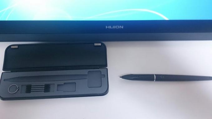 huion-gt221 (6)