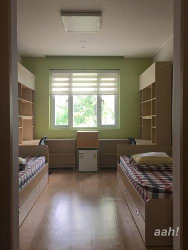 ルームメイトがまだ入っていない状態で入室することはほとんどなし。寄宿舎の実態。w