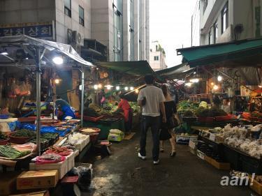 市場の匂い、活気を感じられる場所。