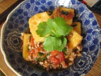 ベトナム風揚げ豆腐のトマト煮