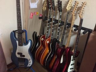 7本掛けギタースタンド 1