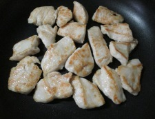 ナスと鶏むね肉の塩炒め 調理③