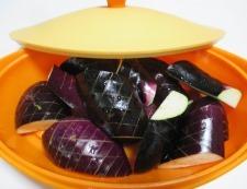ナスと絹揚げ舞茸の煮物 調理①