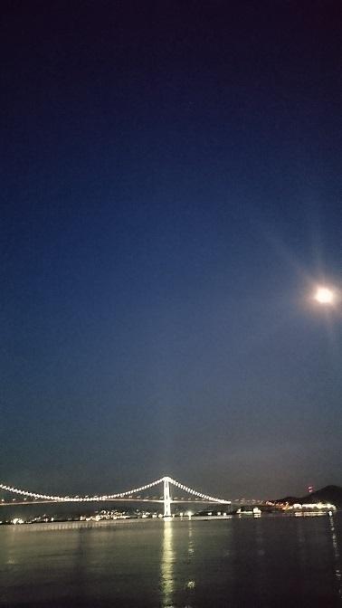 170902室蘭月