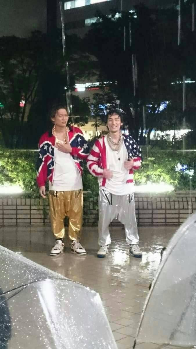 【画像】香取慎吾と草�g剛が新百合ヶ丘でロケ→ギャラリーから「頑張って!」の大合唱が起こる!
