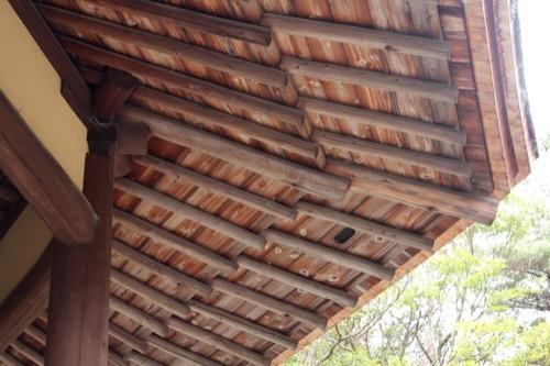 0253:俳聖殿 丸材の垂木