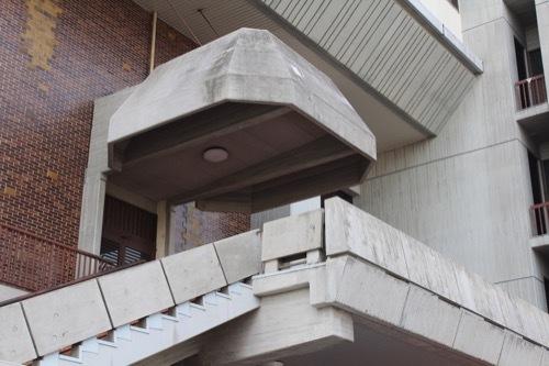 0258:あわぎんホール 北入口付近②