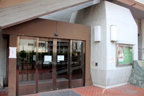0258:あわぎんホール 北入口付近③
