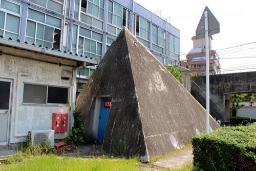 0261:鳴門市庁舎・市民会館 ピラミッド状の建築