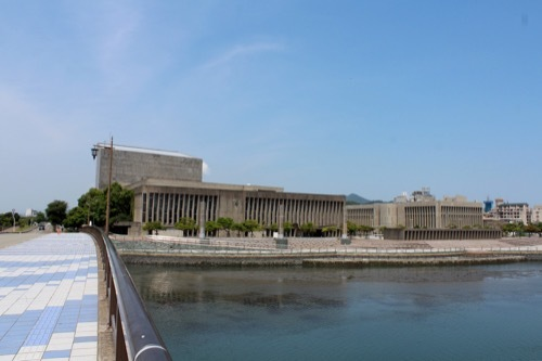 0262:鳴門市文化会館 撫養川から①