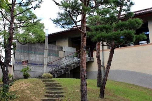 0263:石川県九谷焼美術館 カフェへの入口