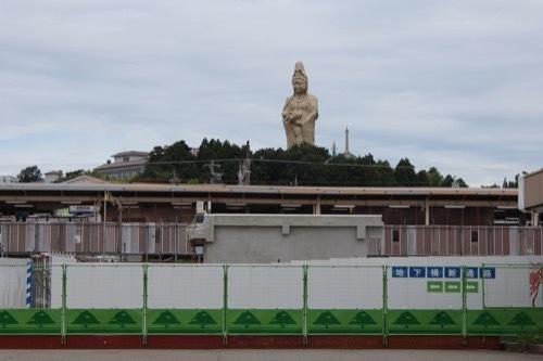 0264:加賀片山津温泉総湯 駅の奥の大観音