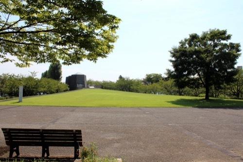 0265:中谷宇吉郎雪の科学館 公園広場から①