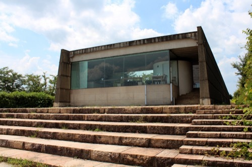 0265:中谷宇吉郎雪の科学館 潟の畔から②