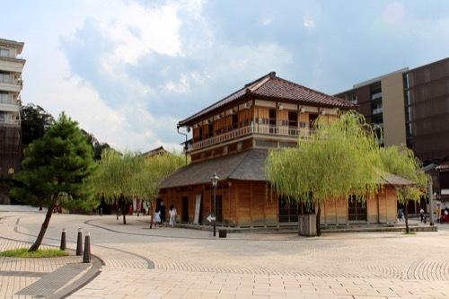 0267:山代温泉新総湯 中央広場①