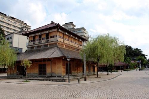 0267:山代温泉新総湯 中央広場②