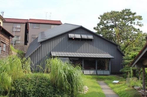 0268:九谷焼窯跡展示館 奥のシェルター