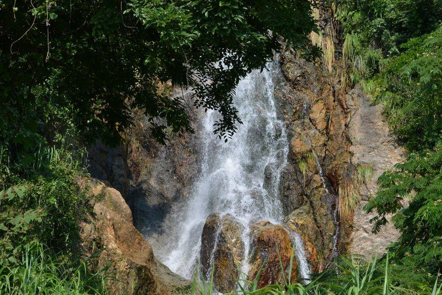 夏の浜滝-1
