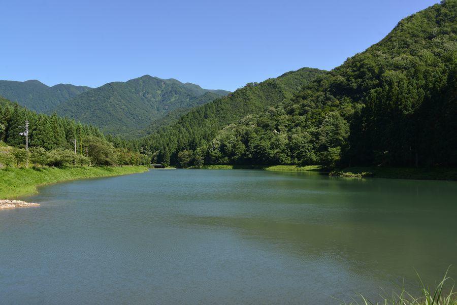 水源地のダム-8