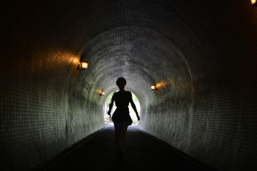 トンネルを-3