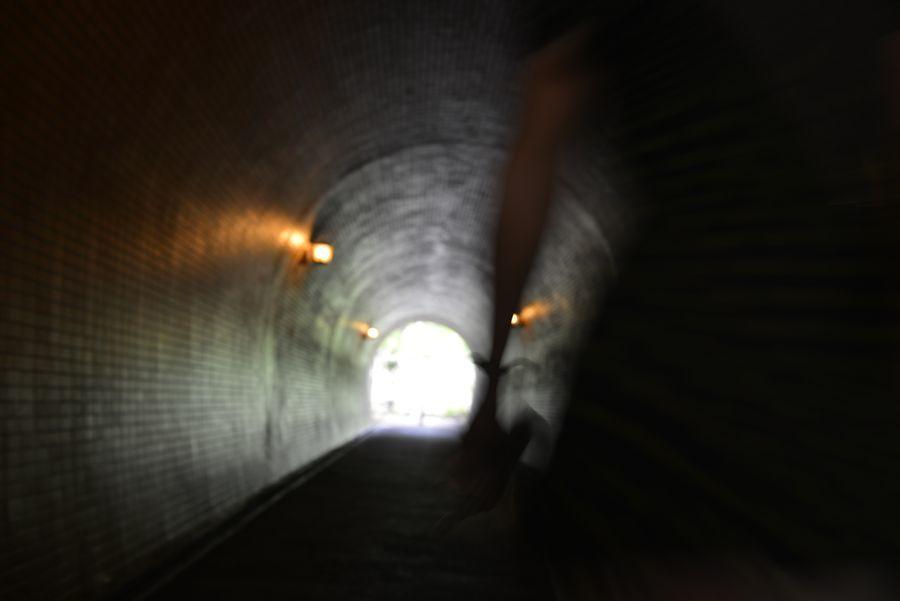 トンネルを-4