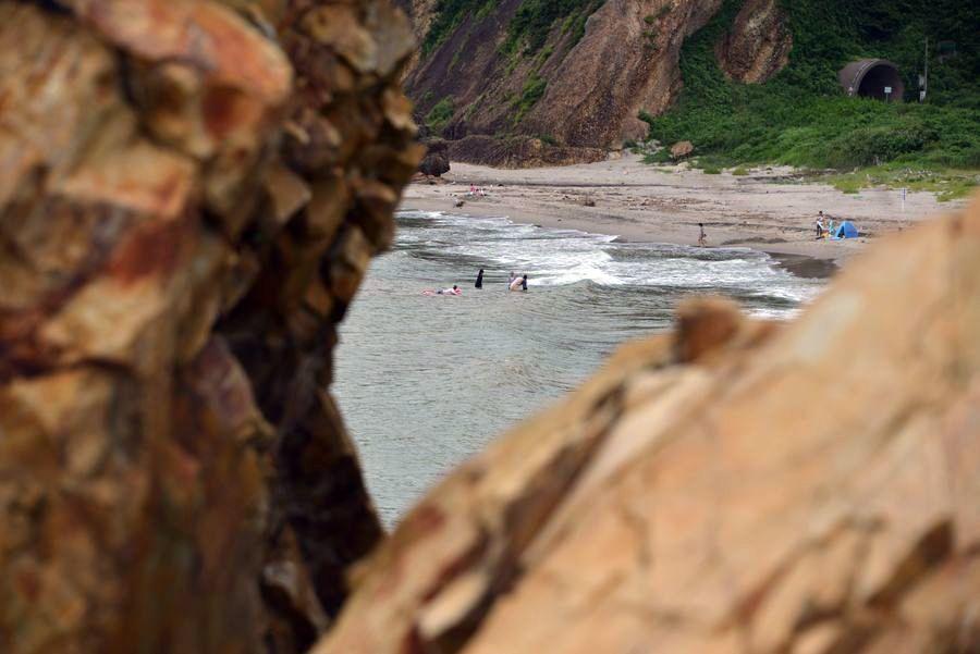 海岸の岩-5
