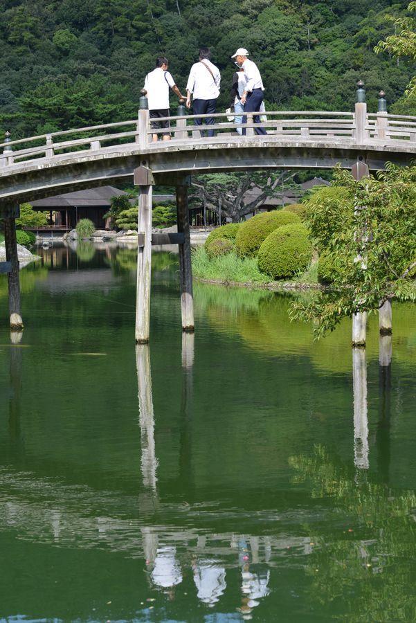 栗林公園 偃月橋-6