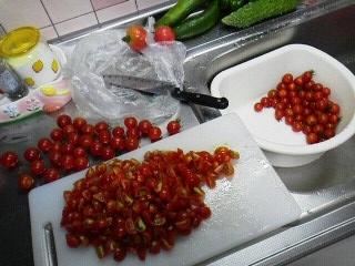 170727八木橋頂き物トマト料理2