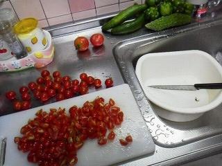 170727八木橋頂き物トマト料理3