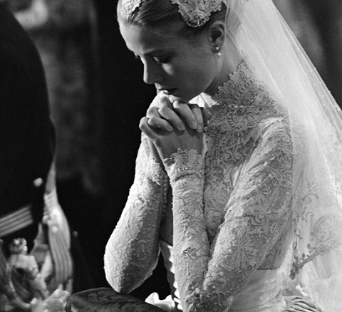 grace-kelly-wedding-gown.jpg