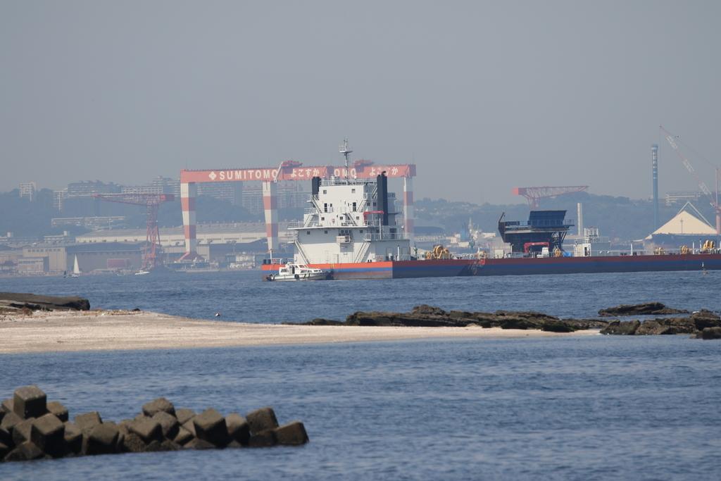 住友の造船施設も結構よく見える_1