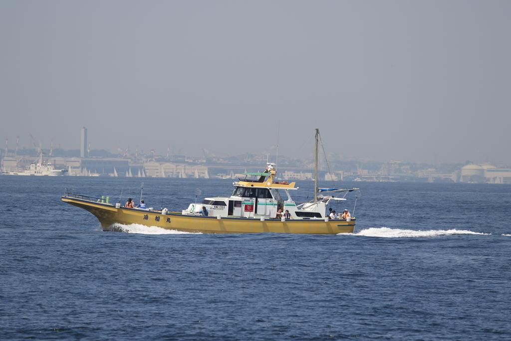 走水の漁港に釣り船が戻ってきた_5