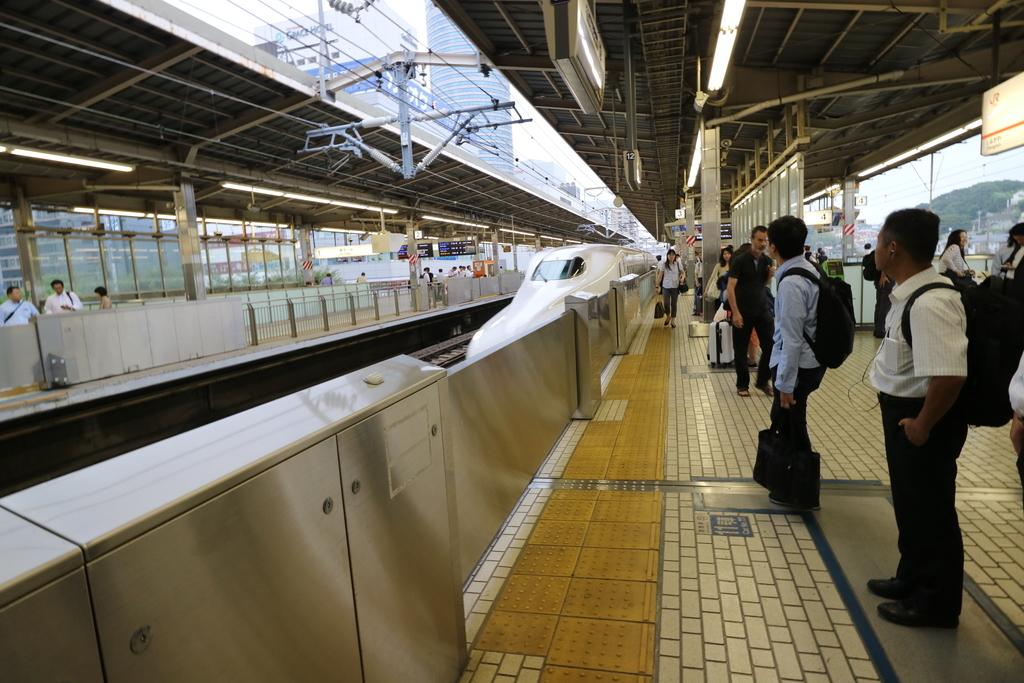 新横浜にて_3