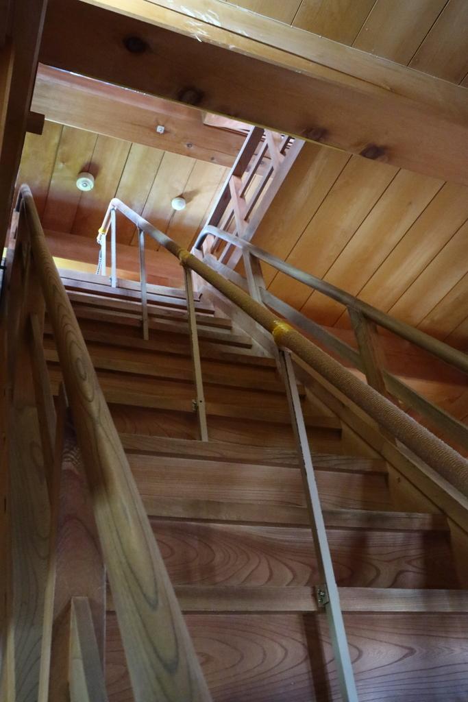 2層目への階段