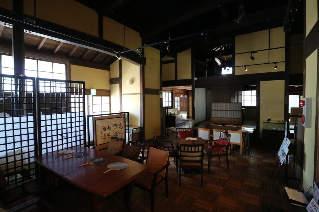 喫茶スペース_1