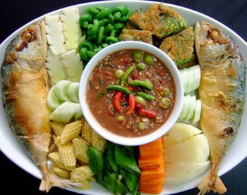 Fried mackerel with shrimp paste sauce (2)