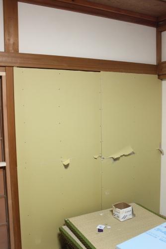 和室の障子を壁にDIY