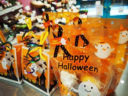 201709halloweengift-webs.jpg