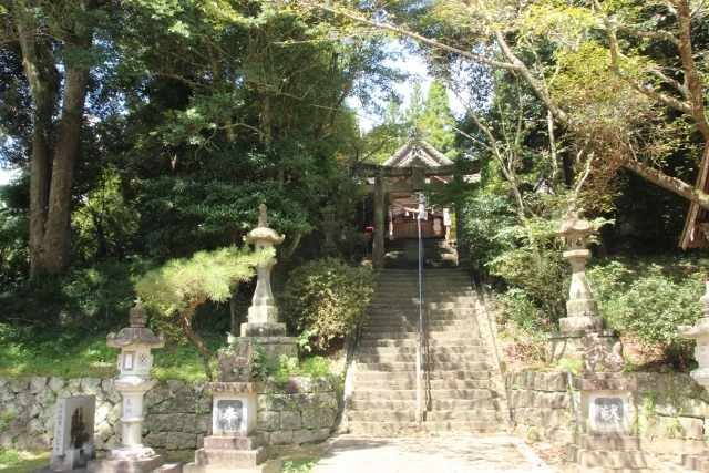 岡留幸福神社 (2) (640x427)
