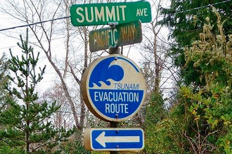 tsunami-street-sign_h.jpg